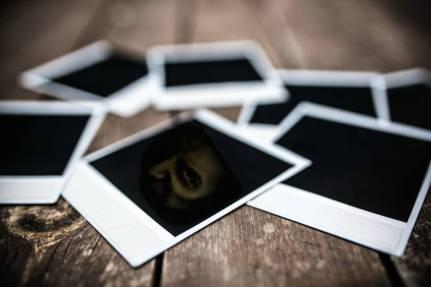 Polaroids_10a-1050x700
