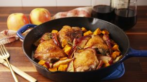 1507738906-delish-apple-cider-glazed-chicken-still001
