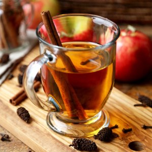 Hot-Cinnamon-Apple-Cider